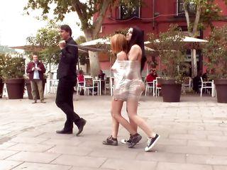 Порно на улице нарезка