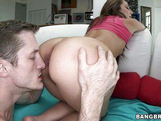 Ебет мамашу в жопу порно